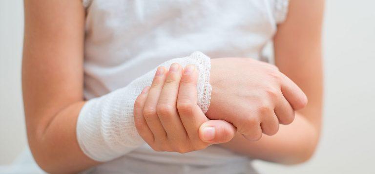 Κάταγμα αντιβραχίου σε παιδιά Παιδοορθοπαιδικός Ιωάννης Δελνιώτης